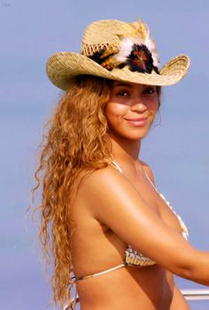 Obsessed with Beyonce Estilo Beyonce, Beyonce Style, Jay Z, Cardi B, Queen Bee Beyonce, Beachy Hair, Beyonce Knowles Carter, Mrs Carter, Black Girl Magic