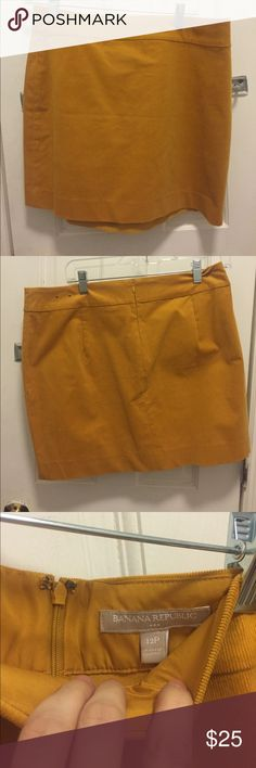 New Banana Republic Mustard Yellow Corduroy Skirt NWOT Banana Republic mustard yellow pencil skirt. Size 12 Petite Banana Republic Skirts Pencil