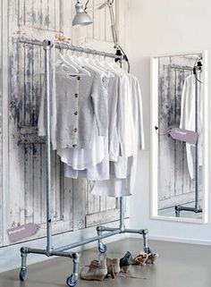 DYN clothing rack ♥