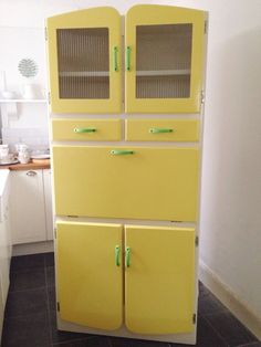 Vintage Kitchenette Cabinet 1950s/1960s Yellow Cupboard / Retro Kitchen Larder