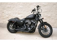 Harley-Davidson Sportster Iron 883.  I'm needing to get the black pipes for mine!