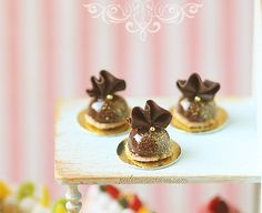 1:12 Dollhouse Miniatures Chocolate Ruffle by miniaturepatisserie