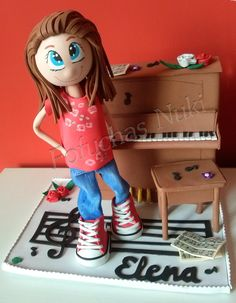 Fofucha pianista  http://fofuchasnuki.blogspot.es/  #fofucha #gomaeva #piano #musica #hehcoamano #regalo