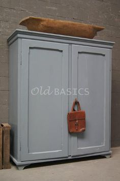 Discover recipes, home ideas, style inspiration and other ideas to try. White Wardrobe, Sideboard Buffet, Mode Outfits, Armoire, Blinds, Living Room, Bedroom, Buffets, Furniture