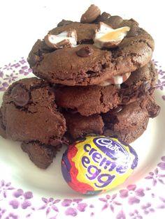 Extra Off Coupon So Cheap Creme Egg Chocolate Chip Cookies Chip Cookie Recipe, Cookie Recipes, Dessert Recipes, No Egg Cookies, Biscuit Cookies, Chocolate Chip Cookies, Cupcakes, No Bake Treats, Easter Treats