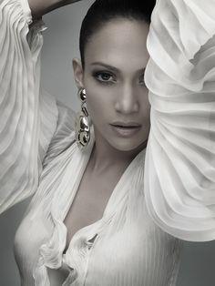 JLo is Jennifer Lopez! Beautiful People, Most Beautiful, Beautiful Women, Absolutely Gorgeous, Britney Spears, Divas, Jennifer Lopez Photos, Jennifer Lopez Makeup, Beauty And Fashion