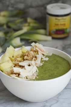 Matcha Green Fruit Smoothie Bowl