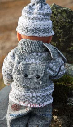 Baby Knitting Patterns Pants Knit cute doll winter clothes for Baby Born, the Norwegian traditi . Baby Knitting Patterns, Knitting For Kids, Baby Patterns, Doll Patterns, Crochet Patterns, Sweater Patterns, Lace Knitting, Knitting Ideas, Baby Born Clothes