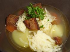 Tschechische Knoblauchsuppe, ein tolles Rezept aus der Kategorie Klare. Bewertungen: 18. Durchschnitt: Ø 4,2.