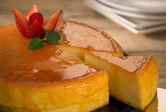 Hornea un delicioso Flan con queso crema para después de comer con nuestra receta de postres Philadelphia. ¡Sorpréndelos después de comer!