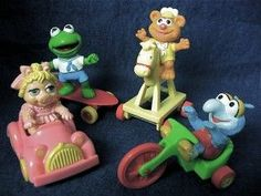 1980's muppet babies happy meal toys...nostalgic! Can still remember driving little miss piggy aolng the kitchen