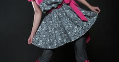 Como fazer vestidos baby-doll. Populares na década de 1960, esse estilo de roupa geralmente envolve vestidos curtos com cintura justa e saias esvoaçantes. Baby-dolls são extremamente versáteis, podem ser vestidos para ocasiões formais ou vestidos por baixo para atividades de verão. Para fazer o seu próprio baby-doll, siga as instruções a seguir.