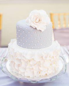 Ultra elegant wedding cake Cake by #theartofcake in #edmonton Photography by @ncphotographyyeg • • • #weddingcake #weddingcakes #weddingcakeideas #wedding #weddingcakeinspiration #weddingcakedesign #weddingcakeflowers #cake #cakes #cakestagram #cakedesign #cakecakecake #cakelovers #caketime #cakeartist #cakelove #cakegram #cakeideas #elegant #elegantwedding #weddingchicks #weddingblog