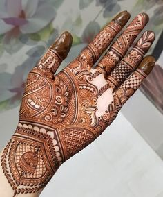Mehndi Design Girls which is for especially for the younger girls and for this Festive Season and for also the wedding season. These are the best Mehndi Design Girls. Mehndi is an important part of our Culture. Henna Art Designs, Mehndi Designs For Girls, Mehndi Designs For Beginners, Mehndi Designs 2018, Modern Mehndi Designs, Dulhan Mehndi Designs, Mehndi Design Photos, Beautiful Mehndi Design, Mehendi
