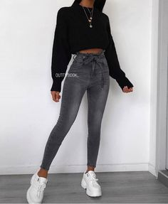 jeans mens style shirts - jeans mens style - jeans mens style fashion ideas - jeans mens style for men - jeans mens style outfit - jeans mens style shirts Outfit Jeans, Cropped Hoodie Outfit, Jeans Shoes, Grey Hoodie, Shoes Heels, Teenager Outfits, College Outfits, Winter Fashion Outfits, Fall Outfits