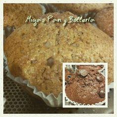 Magdalenas de Espelta y de Chocolate, mañana en la panadería #artesano #migaspanybolleria #delabuelo #desayuno  #love #alicantegram #Alicante  #alicante_city #cumpleaños #instalicante  #instafriends #panaderiasenalicante #pan #cake #igersalicante