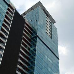 Palazzi moderni di Hanoi Hanoi, Skyscraper, Multi Story Building, Trendy Tree, Skyscrapers