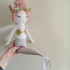heirloom dolls handmade in asheville, nc Softies, Plush Dolls, Doll Toys, Baby Wunder, Bordados E Cia, Forest Creatures, Mermaid Dolls, Fabric Toys, Sewing Dolls