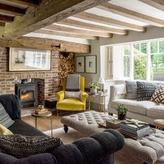 Country Cottage And Gardens Shabby Chic Cottage Chandos Lake Cosy Interior, Interior Design, Natural Interior, Interior Plants, Scandinavian Interior, Interior Ideas, Cottage Living Rooms, Cozy Living, Cottage Living Magazine