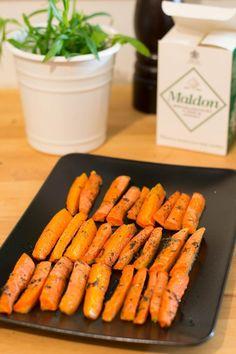 Yksinkertaisuuden ylistys: Paahdetut porkkanat – Keittiössä, kotona ja puutarhassa | Meillä kotona Easy Healthy Recipes, Healthy Snacks, Easy Meals, I Love Food, Good Food, Yummy Food, Vegetarian Recepies, Food Goals, Food Inspiration