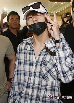 V ❤ #BTS #방탄소년단 have landed safely in Japan.