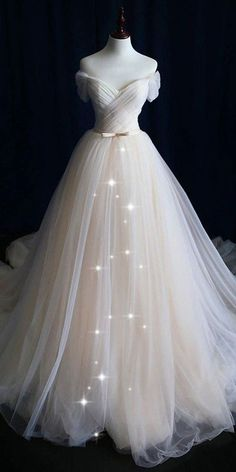 Cheap White Wedding Dresses, Best Wedding Dresses, Bridal Dresses, Wedding Gowns, Tulle Wedding, Wedding Blue, Wedding Outfits, Colorful Wedding Dresses, Fantasy Wedding Dresses
