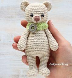 Мишка-обнимашка игрушка амигуруми крючком