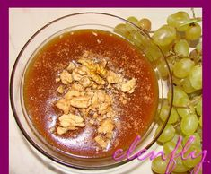 Υλικά 1 φλυτζάνι πετιμέζι 3 + 1/2 φλυτζάνια νερό 1 κουταλιά ζάχαρη (προαιρετικά) 4+1/2 κουταλιές αλεύρι Για το γαρνίρισμα κανέλα κ... Greek Recipes, Desert Recipes, Acai Bowl, Oatmeal, Deserts, Pudding, Baking, Breakfast, Sweet