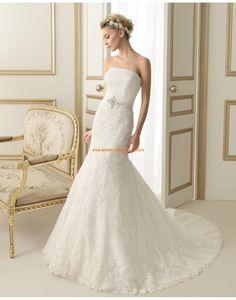 Moderne trägerlose A-linie Brautkleider aus Tüll mit Spitze 155 ESLAVA | luna novias 2014