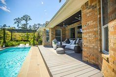 2 Beauty Bower Pl The Woodlands, TX 77382: Photo Spacious deck to fill out with backyard furniture, great for gatherings