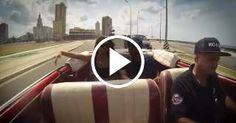 Paseo por La Habana en un Chevrolet descapotable del 52 junto a Laritza Bacallao y Tony Dandrades
