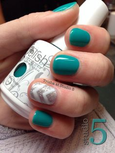 Add warmth to your nails this winter by painting. inspirational fall gel nails or 15 autumn gel nail art designs ideas 2017 fall nails Autumn Gel Nail Art Designs & Ideas 2017 Teal Nails, Fancy Nails, Glitter Nails, Cute Nails, My Nails, Nails Turquoise, Green Nails, Nagellack Design, Nail Design Spring