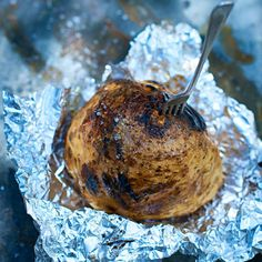 Hel ugnsbakad rotselleri med flingsalt Lchf, Dairy Free, Turkey, Gluten, Ice Cream, Meat, Desserts, Food Ideas, No Churn Ice Cream
