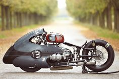 Dieselpunk inspired bike... I really dig the whole WW11 'Special Ops' look of this machine, truly original. If anyone knows the designer/builder please leave a comment SkullyBloodrider.
