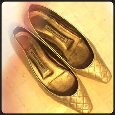 Manolo Blahnik Gold Leather Quilted Flats! Flawless golden quilted flats by our favorite designer! Manolo Blahnik Shoes Flats & Loafers
