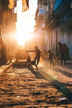 Morgan Oliver-allen posted this picture to National Geographic's Your Shot photo community. Check it out, add a comment, share it, and more. Street Football, Football Is Life, Football Art, Soccer Pro, Kids Soccer, Play Soccer, Soccer Ball, Soccer Photography, Street Photography