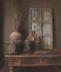 Wabi Sabi, Salons Cosy, Rustic Room, Interior Decorating, Interior Design, Old Doors, Rustic Interiors, Rustic Design, Home Decor Bedroom