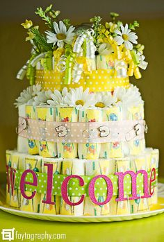 cute baby shower ideas | Baby shower gifts/ideas (not for me!) / Cute diaper cake!