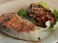 Šalát z rias a paprikového krému s pečeným lososom