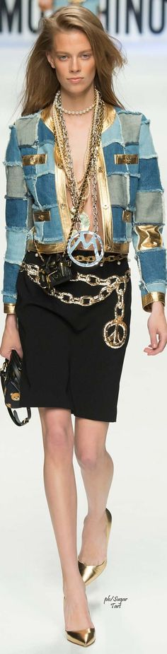Moschino.         Fall 2015.           Ready-To-Wear.