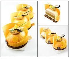 Petits gâteaux mandarine: crumble chocolat gruée de cacao/ biscuit macaron/ confit mandarine/ crémeux gianduja/ mousse mandarine/ glaçage velours/ Décors chocolat #mypushup https://www.mypushup.com