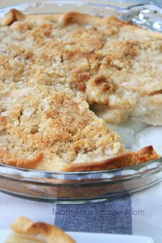 This classic Amish Pear Crumb Pie comes together so quick and easy! Fresh picked, juicy pears seasoned with cinnamon and nutmeg, with a butter and brown sugar crumble on top!