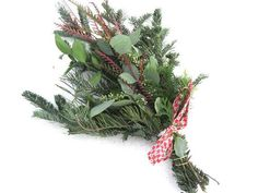 Winter Bouquet, Christmas Greenery, Holiday Market, Projects To Try, Handmade Gifts, Flowers, Etsy, Kid Craft Gifts, Craft Gifts