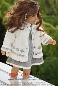 Målfrid Gausel knitting patterns for dolls clothes Simple, timeless elegance  in grey and white.