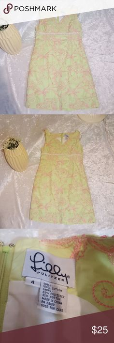Lilly Pultizer sleevless dress Size 4 by Lilly Pultizer. Sleevless dress. Green dress with pink embroidery of palm trees and monkeys. Little daisies under bust line.  White liner.  Great dress for spring and summer. Feel free to ask questions or request more photos. Used condition not brand new. Lilly Pulitzer Dresses
