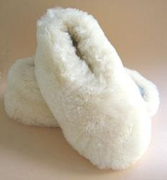 Sheepskin+Wool+Out+Slippers+with+Suede+Soles  http://www.shopenzed.com/sheepskin-wool-out-slippers-with-suede-soles-xidp130449.html