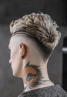 Short Sides Long Top Hairstyles For Men 28 Short Sides Long Top, Long Tops, Top Hairstyles For Men, Moda Blog, Glitter Lips, Fade Haircut, Lip Art, Picture Poses, Cut And Style