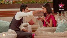 Arnav_Khushi_Feeding_Each other