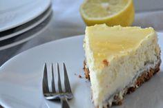 Εύκολο τσιζκέικ λεμονιού με γιαούρτι Cheesecake Leger, Farmers Market, Sweets, Desserts, Food, Dessert Ideas, Queso Blanco, Lemon, Kitchens