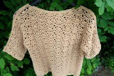 Lindevrouwsweb: Gehaakt Truitje by Lindevrouw Crochet Cardigan, Crochet Shawl, Free Crochet, Crochet Top, Kerchief, Crochet Fashion, Crochet Clothes, Free Pattern, Pullover